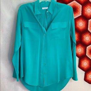 Equipment Tops - Equipment Femme signature silk button down